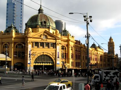 melbourne flinders street train station